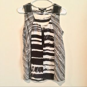 NWT Kenneth Cole B&W abstract striped blouse Sz 6